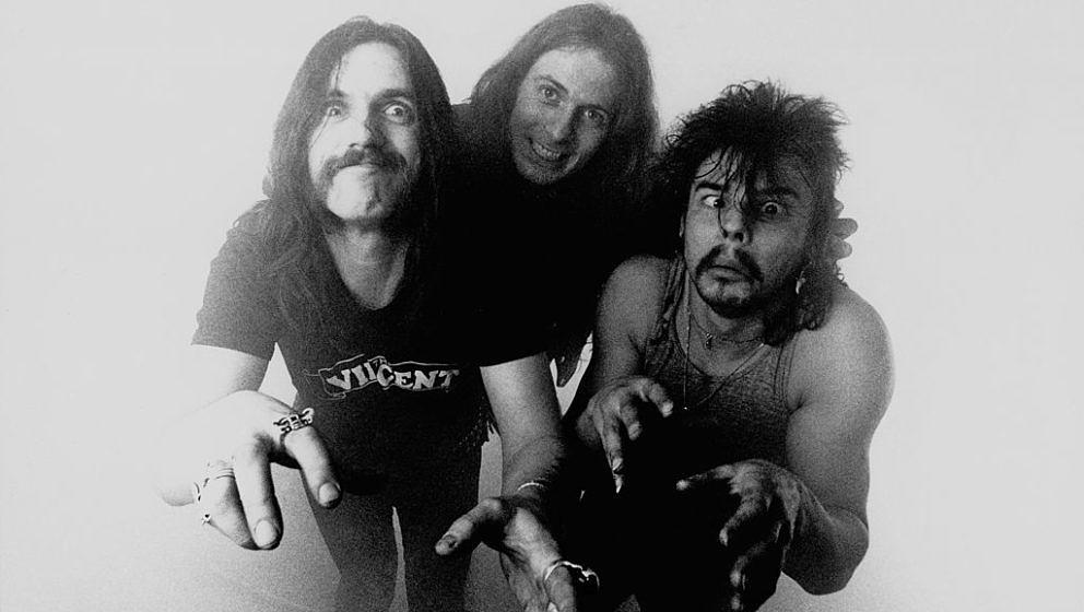 UNITED KINGDOM - DECEMBER 01:  Photo of MOTORHEAD  (Photo by Fin Costello/Redferns)