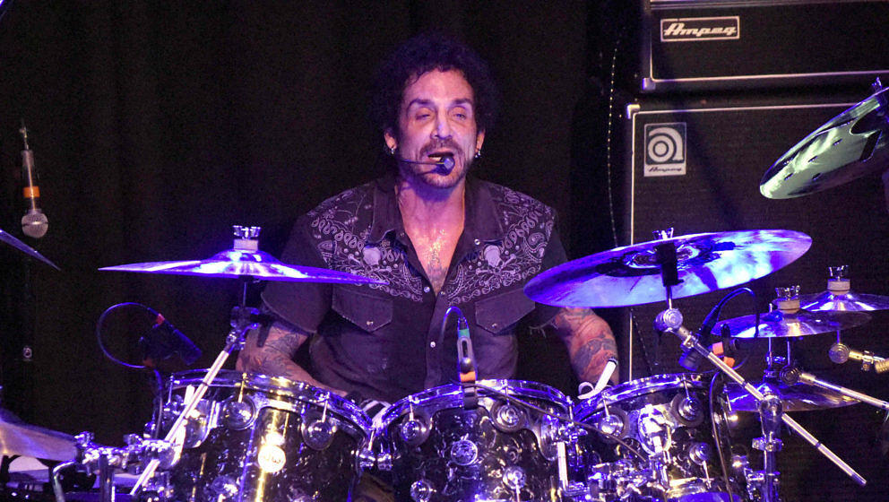 Deen Castronovo beim Auftritt mit Neal Schon's Journey Through Time am 9. Februar 2018 in San Francisco