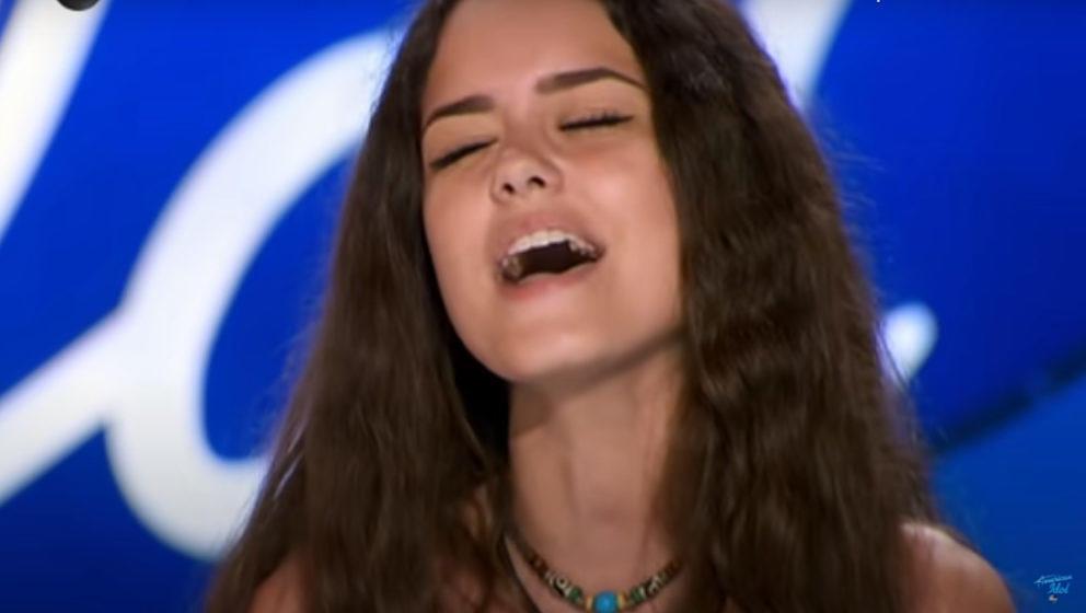 Die 15-jährige Casey Bishop hat bei 'American Idol' Mötley Crüe intoniert