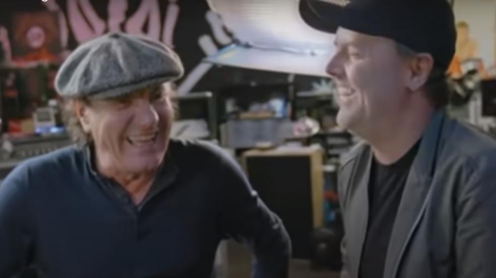 Brian Johnson und Lars Ulrich haben gut lachen im Metallica-HQ