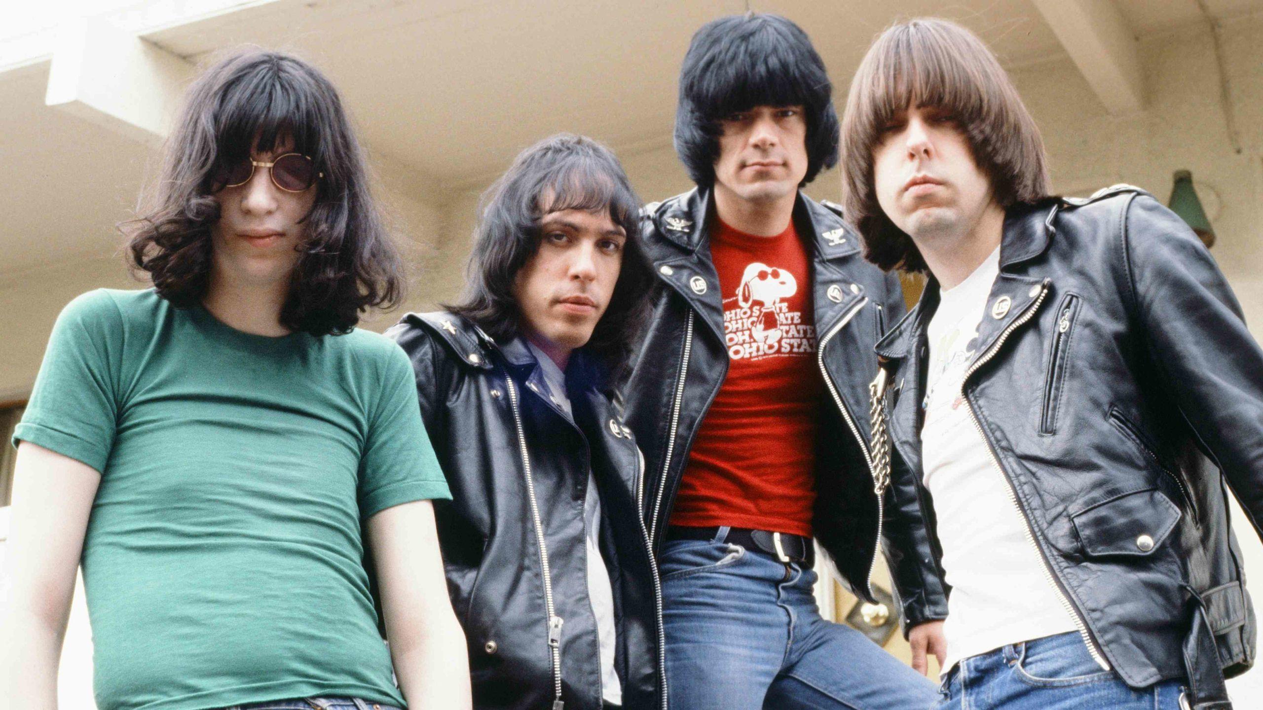 Netflix-produziert-Ramones-Biopic-I-Slept-With-Joey-Ramone-