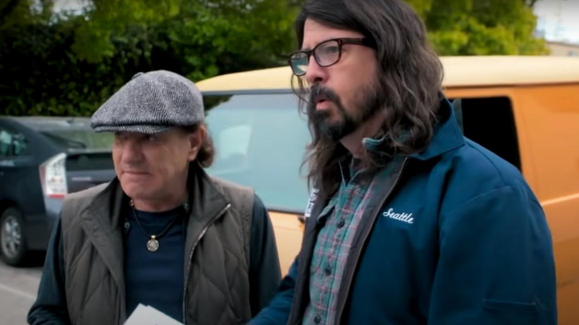 """AC/DC-Frontmann Brian Johnson tritt mit Foo Fighters bei """"Vax Live"""" auf"""