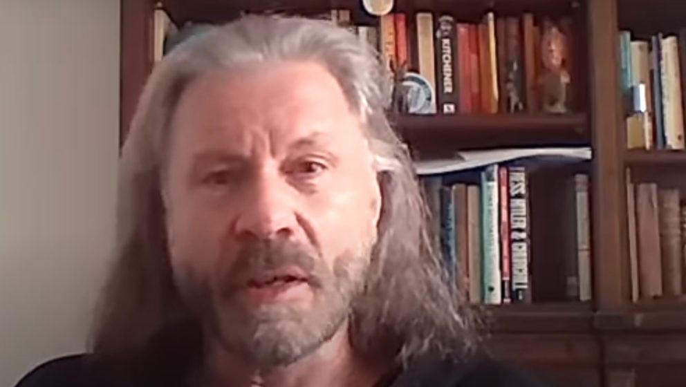 Bruce Dickinson im Gespräch mit Kylie Olsson vom Download Festival