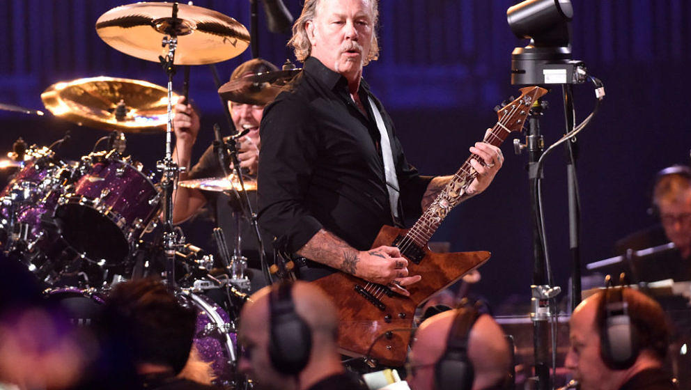 SAN FRANCISCO, CALIFORNIA - SEPTEMBER 06: James Hetfield of Metallica performs during the 'S&M2' concerts at the opening