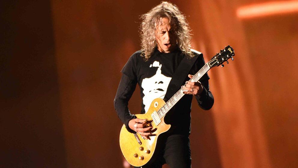 Metallica-Gitarrist Kirk Hammett mit seiner Les Paul von Gibson im Jahr 2017 beim Outside Lands Music and Arts Festival in San Francisco
