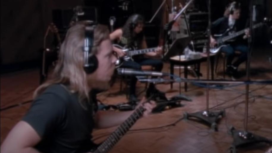 James Hetfield, Kirk Hammett und Jason Newsted von Metallica im Video zu 'Nothing Else Matters'