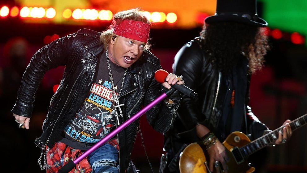 Axl Rose und Slash mit Guns N' Roses am 21. Februar 2017 im australischen Perth