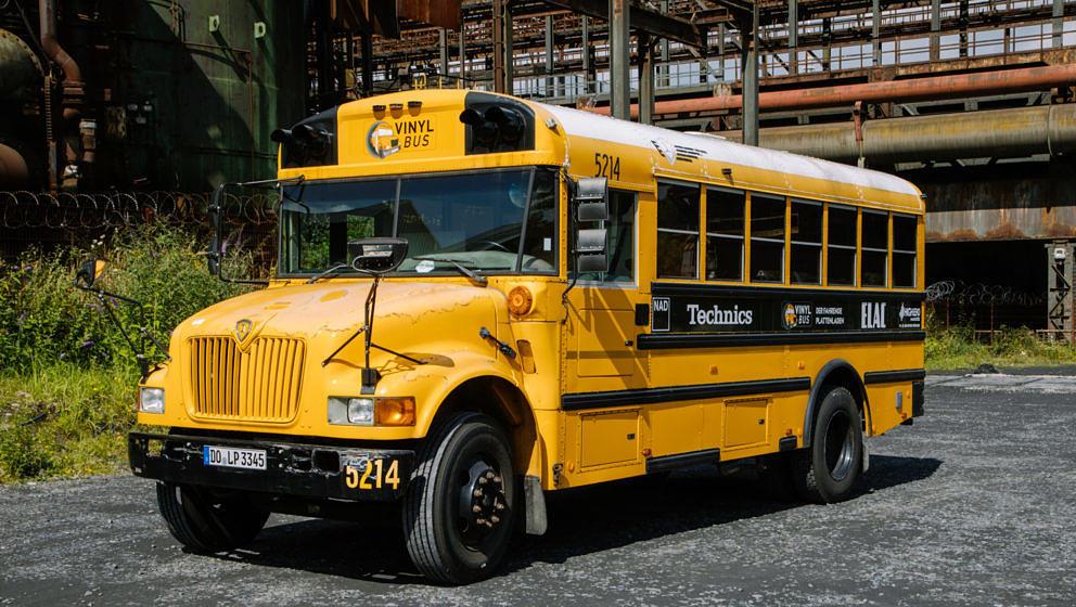 Im Vinyl Bus gibt es rund 4000 Schallplatten!