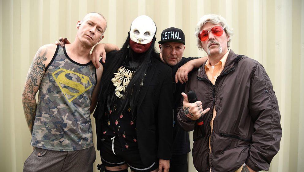 CHICAGO, ILLINOIS - JULY 31:   Sam Rivers, Wes Borland, DJ Lethal and Fred Durst of Limp Bizkit backstage at Lollapalooza 202
