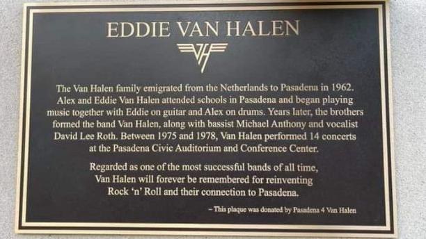 Die Eddie Van Halen-Gedenktafel in Pasadena